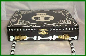 gothiccigarboxpurse5.jpg